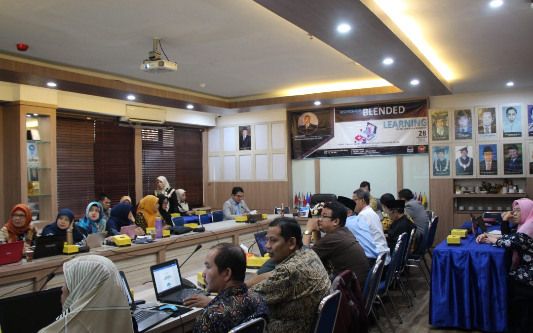 Bersama Forum Dosen Indonesia, FSH Gelar Workshop Blended Learning